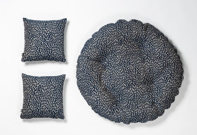 Blue Drops - Haustierbett mit passenden Dekokissen