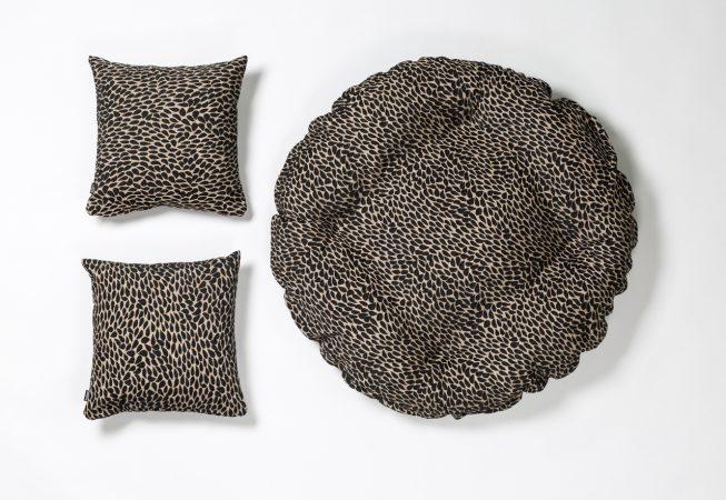 Black Drops - Haustierbett mit passenden Dekokissen