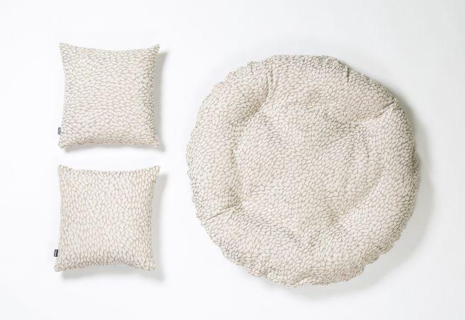 White Drops - Haustierbett mit passenden Dekokissen