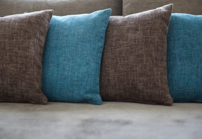 Cosy Cottage Dekokissen in Brown & Aqua